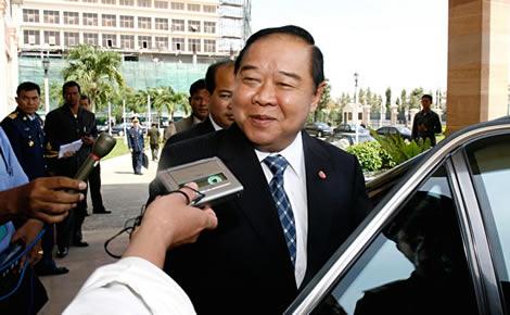 thai-crime-immigration-blitz-police-deputy-pm-prawit-wongsuwan