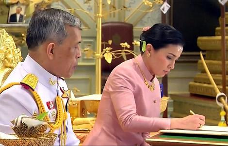 thai-king-coronation-thailand-new-queen-rama-x-royal-ceremonies