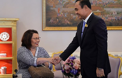 first-thai-born-united-states-senator-tammy-duckworth-visit-to-thailand-bangkok-american-ties