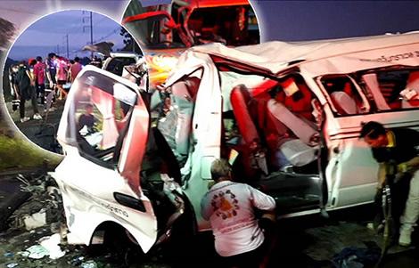 passenger-van-accident-sa-kaew-driver-asleep-thai-police-road-truck-bus