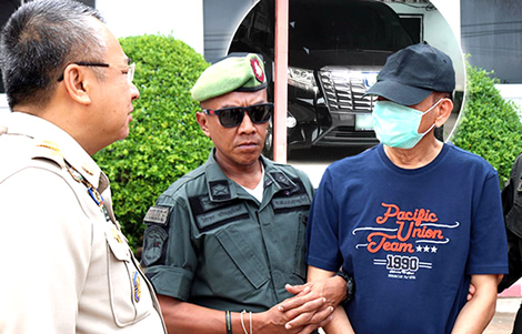police-chief-koh-samui-drug-boss-arrest-sompong-ruangsri-corrupt-officials-island-van