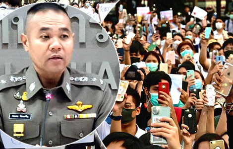 police-students-protest-thailand-future-forward