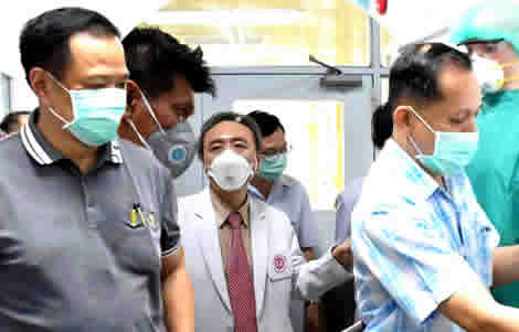 thai-doctors-medical-treatment-chinese-virus-condition-mers-drug