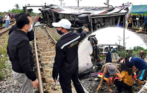 18-dead-rail-crash-chachoengsao-province-sunday-morning