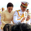 King and Queen visit South to a rapturous salute from well-wishers in Trang and Phatthalung provinces