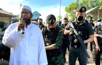 Killer gang linked to murdered family holed up at a Pattani resort but refuse to surrender peacefully to task force