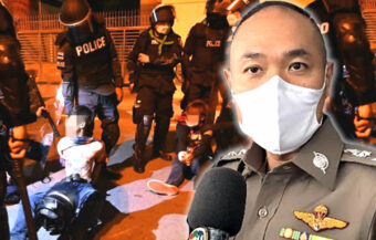 Grenade attack on police in Din Daeng leaves 7 officers wounded as up to 8 youths are arrested in police charge